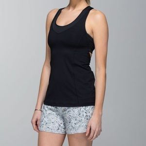 ☀️Lululemon Groovy Run Shorts-Fluer Silver…